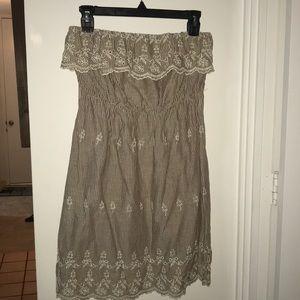 Women's Papaya Dress. Size Medium.